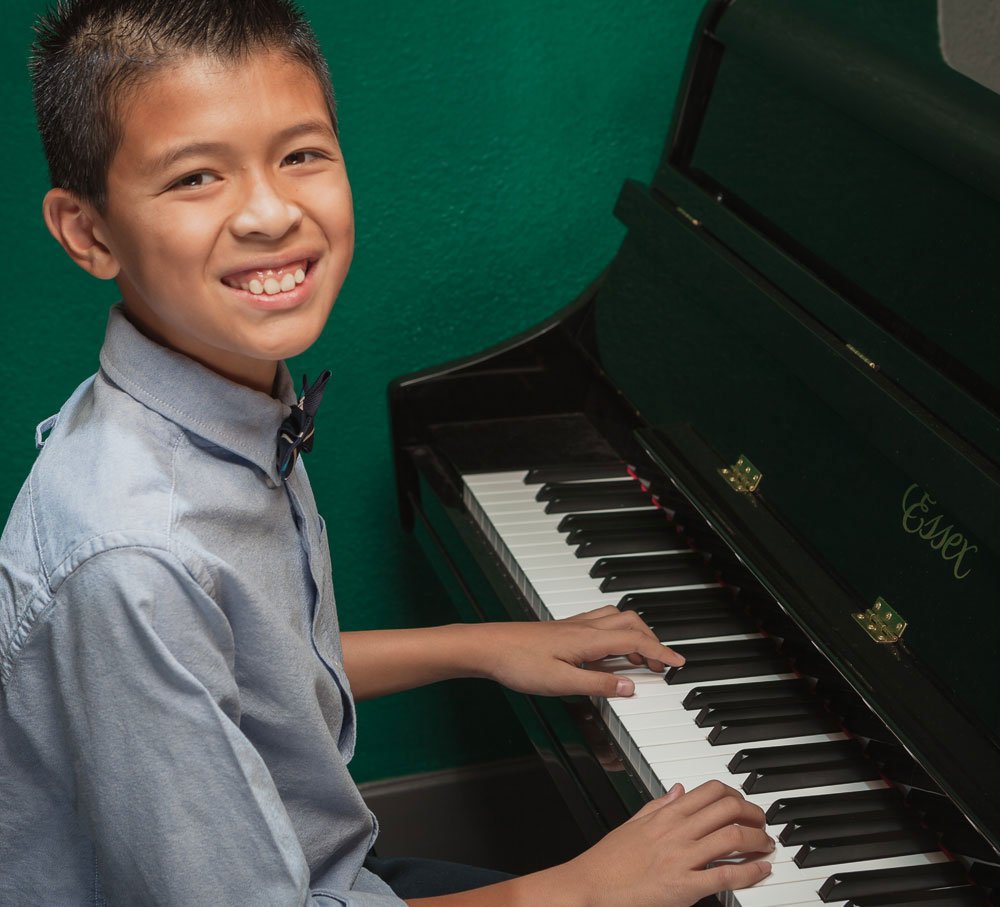 San Gabriel Music School. Lessons in Voice, Piano, Guitar, Drums, Bass, Violin, Cello, Orchestral Instruments